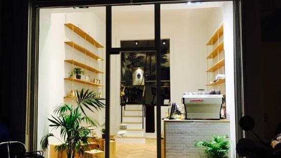 L'Alchimiste Cafe Boutique