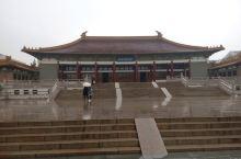 一个有内涵的地方—南京博物馆 南京博物馆是我南京游的第一个地方。我每到一个陌生的城市都会去博物馆转转