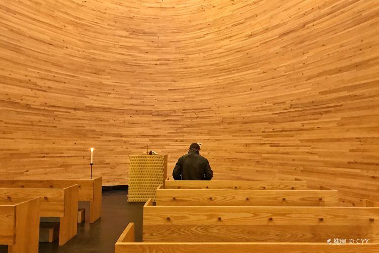 침묵의 캄피 교회2