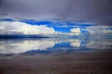 """青海~茶卡盐湖~中国的天空之镜~被国家旅游地理杂志评为""""人生"""