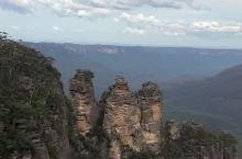 澳洲蓝山三姐妹峰