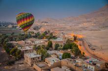 乘坐热气球飞跃8000年历史