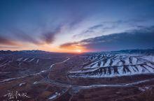 航拍马牙雪山日出,冰火两重天