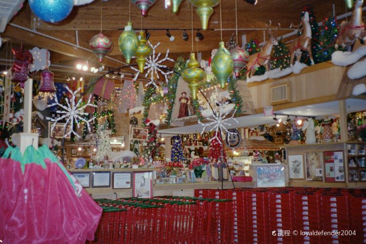 Bronner's Christmas Wonderland1