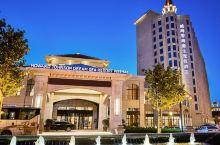 值得一去的酒店——威海香海豪生度假酒店  酒店距离景区专属2.5公里钻石沙滩浴场只有一步之遥,景区内