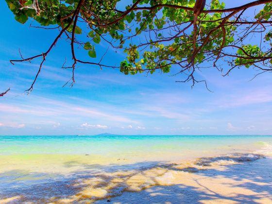 Laem Tong Bay