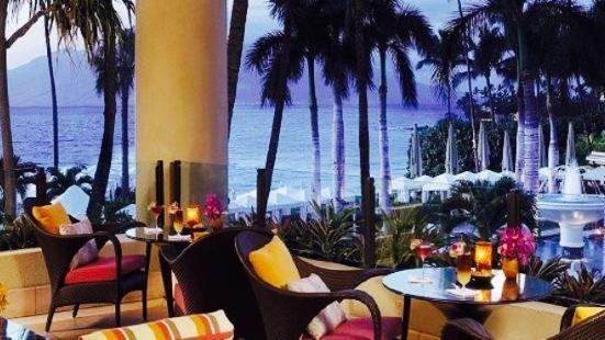 Lobby Lounge at Four Seasons Resort