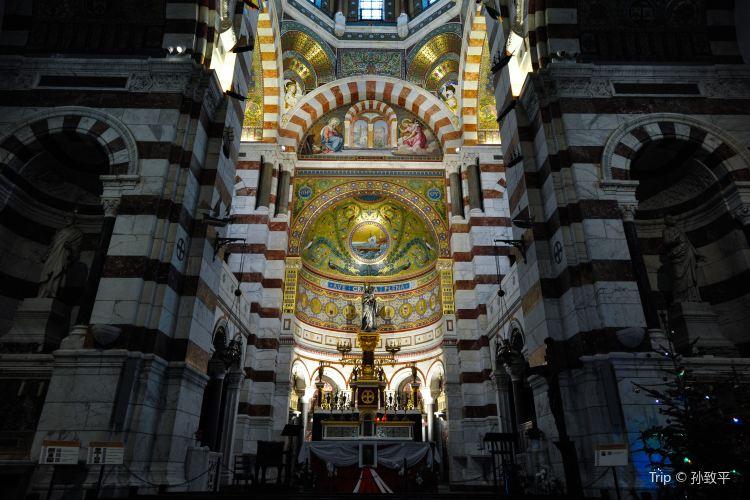 聖母加德大教堂1