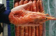 阿根廷红虾个大、味鲜,是不错的一道菜。