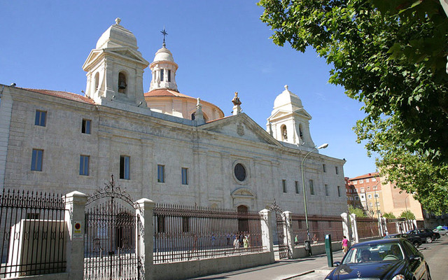 古代旅行家马可波罗和哥伦布为西班牙带回了什么?