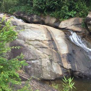 摩摆瀑布旅游景点攻略图
