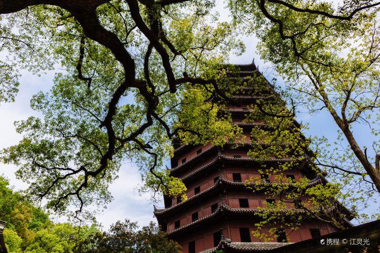 Liuhe Pagoda1