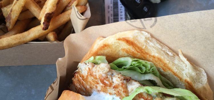 D-Luxe Burger1