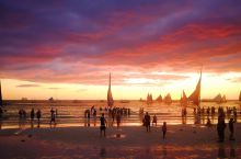 在长滩岛邂逅最美丽的日落。