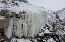 岗什卡雪峰冰川
