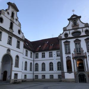 圣•芒本笃会修道院旅游景点攻略图