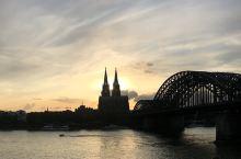 夕阳下的科隆大教堂
