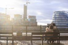 来泰晤士河畔享受伦敦的阳光