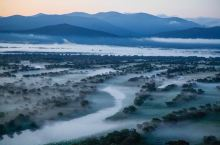 乌苏里江畔晨雾,揭开金色面纱