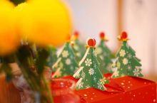 民宿里的圣诞,暖黄灯光下浓浓人情味