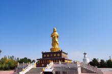 白塔寺,由一百座白塔组成,所以也叫百塔寺