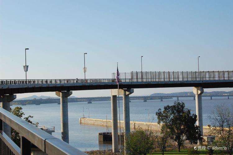 Big Dam Bridge1
