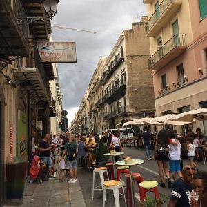 Politeama-Garibaldi剧院旅游景点攻略图