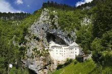 岩洞之中建造出的奇迹之城,岩壁之上的刺激居所——帕瑞德姆斯基城堡  工作需要几乎把欧洲所有的国家都去