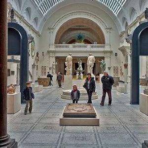 维多利亚与艾尔伯特博物馆旅游景点攻略图