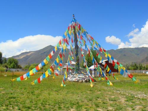 西藏旅游:瞻仰日喀则扎什伦布寺(图) – 日喀则游记攻略插图1