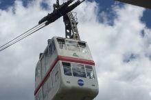 标高2156m的新穗高缆车 是日本唯一的能在二层楼的高空缆车上  是登高远望阿尔卑斯山的首选   由