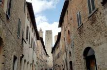 圣吉米尼亚诺古堡……意大利托斯卡纳附近