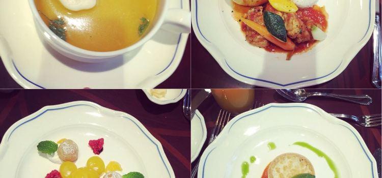 Fei Cui Meng Le Yuan Restaurant (Disney Town)2