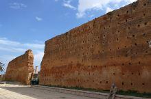 舍拉废墟 舍拉废墟———为舍拉古城和摩洛哥梅里尼德王朝时期皇家陵寝遗址,就坐落在皇宫附近,1980年