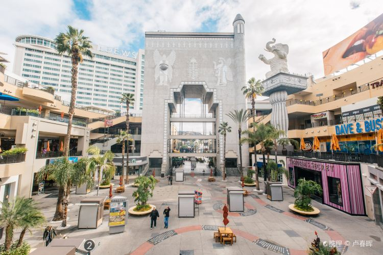 Hollywood & Highland Center1