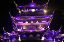 平湖夜景很美