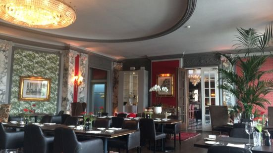 NATIONAL - Restaurant Bar Terrasse