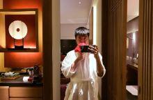 柏悦酒店的点点滴滴-花一样的美男子