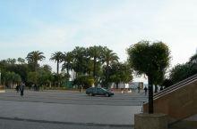 戛纳海边自由林荫步道
