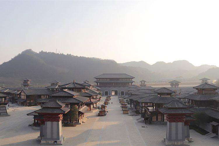 Duyun Qin and Han Studio City4