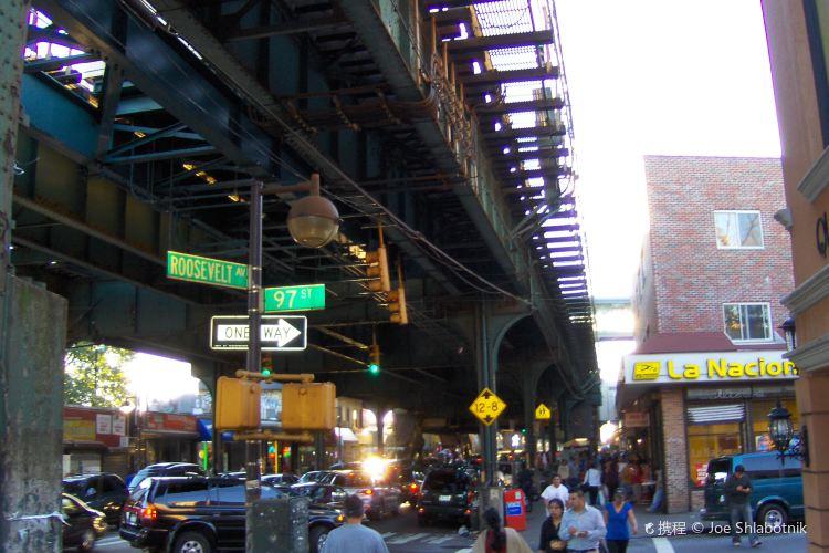 Roosevelt Avenue3