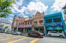 怡保是马来西亚霹雳州(Perak)的首府,是马来西亚在马来半岛的11个州当中第三大的一个州,英文名叫
