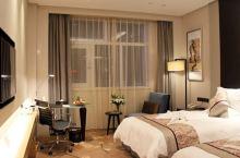 值得一去的酒店——安庆南翔大酒店  酒店环境很好,房间住着也很舒适,面积比较大,早餐丰富多样  【酒