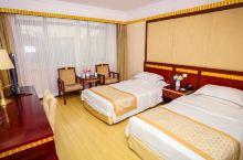 值得一去的酒店——诸城密州宾馆  酒店设施齐全、有设备精良的星光演艺广场、浴之都洗浴中心、绿涧廊酒吧
