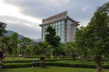 值得一去的酒店——米易宁泽阳光酒店  酒店外环境更不用说,很大 绿化很好,酒店后门对着米易美化打造得