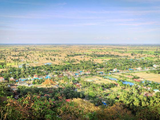 Phnom Sampeau|Phnom Sampov