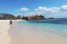 印尼龙目岛的粉色沙滩风景共赏