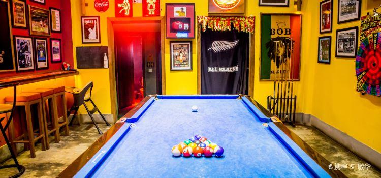 Jungle Burger Sports Bar & Bistro1