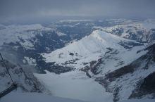 乘坐齿轮登山火车登上欧洲屋脊少女峰观阿尔卑斯山全景