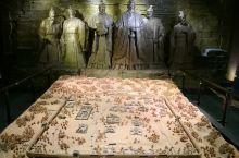 雍城是秦国历史上最为重要的都城,自德公迁雍开始,到公元前383年秦献公徙都栎阳,这里建都长达294年